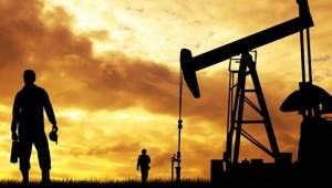 oil field worker pic